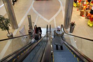 В торговых центрах Иркутской области ввели ограничения из-за ковида